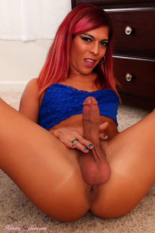 Tranny Kendra Sinclaire Fucks Big Sextoys And